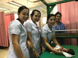 SN Onn, AN Nit and AN Pam performing newborn care