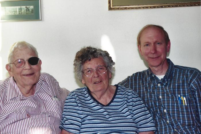 Dr. and Mrs. Curry (Frank and Beryl), July, 2004, Washington State, USA
