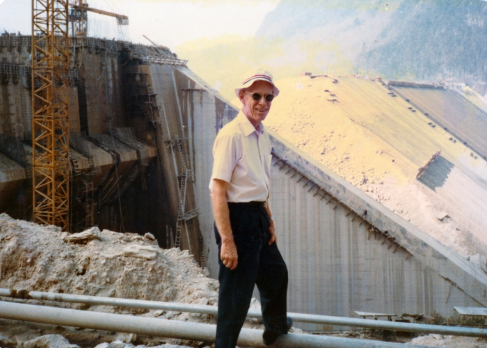 Khao Laem Dam under construction